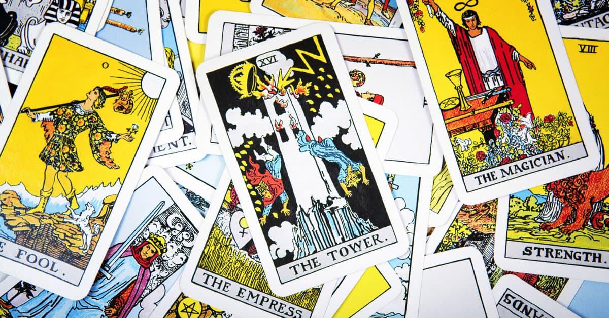 Tirada de Tarot con 10 Cartas – Tarot Gratuito